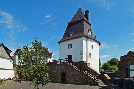 Schinderhannes Tower: landmark of Simmern («Soonwald» Forest)
