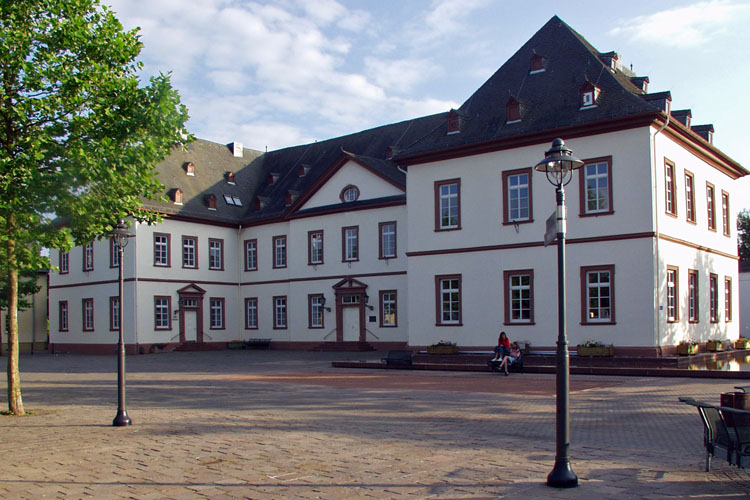 The «New Castle» of Simmern was built 1708-1713 («Soonwald» Forest)