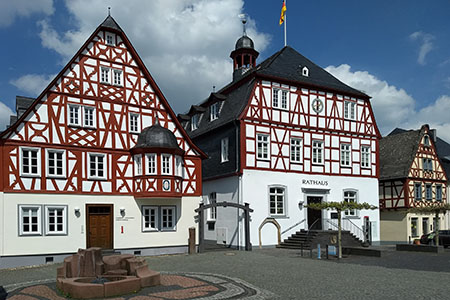 Market place of Kirchberg with old half-timber houses («Soonwald» Forest)