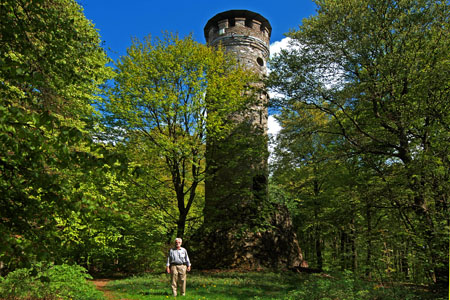 Lookout tower on the Alteburg Mountain with remains of a Celtic refuge («Soonwald» Forest)