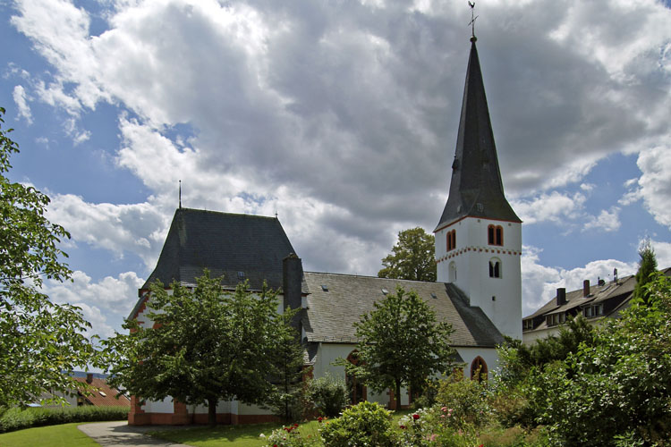 Thalfang: three-nave church with late Gothic choir and Stumm-organ («Hochwald» Forest)