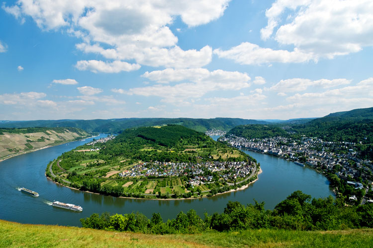 Boppard: Vista point «Vierseenblick» with 180° Rhine loop (Rhine Valley)